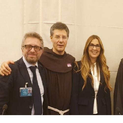"""Conferenza stampa di presentazione del libro: """"PERCHÉ L'AMAZZONIA CI SALVERÀ"""" di Giuseppe Buffon"""