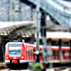 Biglietti treno scontati e quasi regalati: i social e la sharing economy